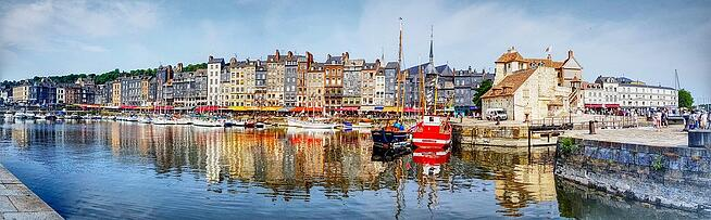 Cottages-Architecture-Honfleur-Panorama-Coloured-3012525